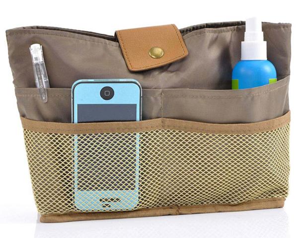 Organizar bolsos en un armario